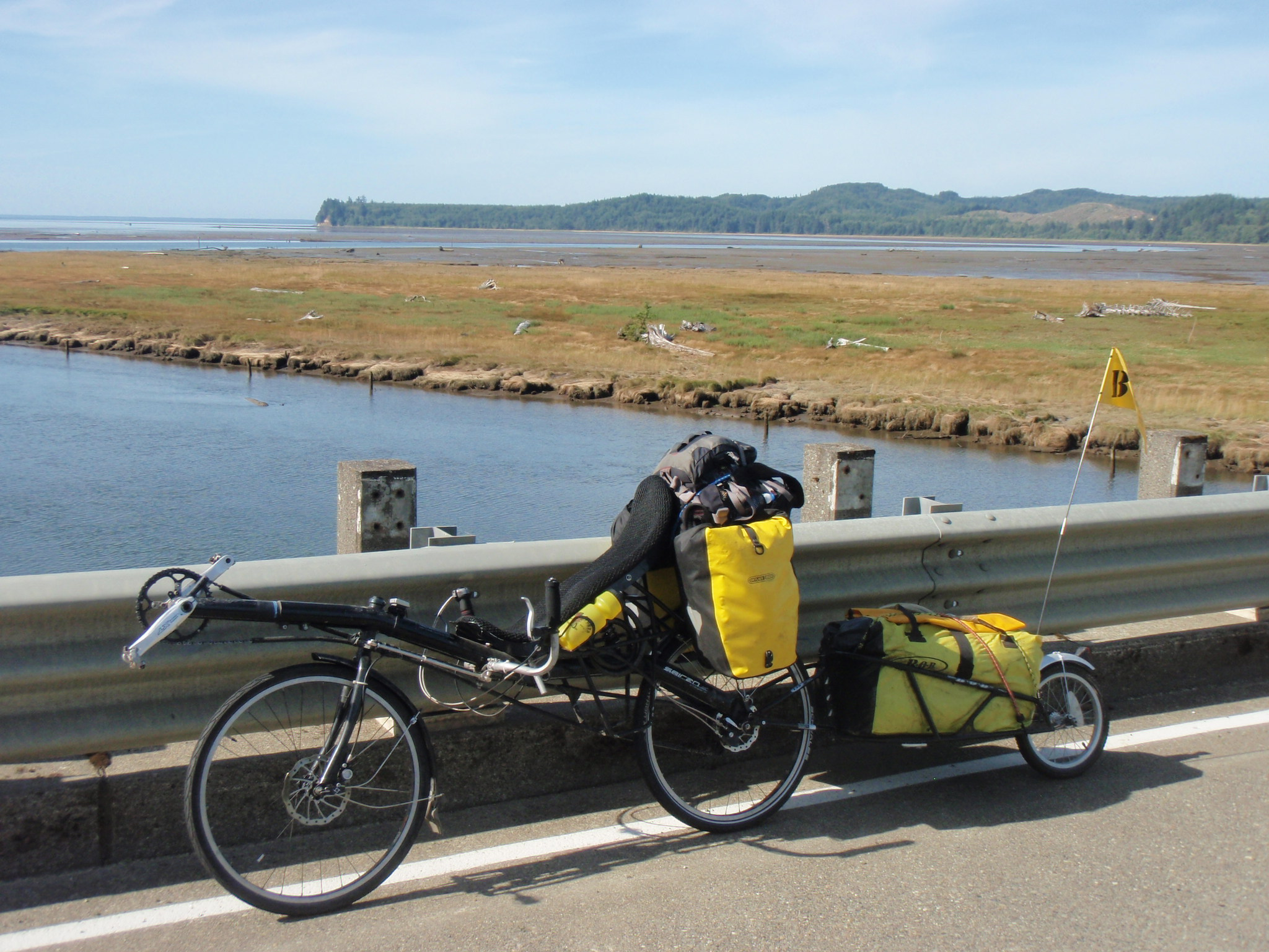 Circum-navigating one of the many bays which turn into mud flats at low tide