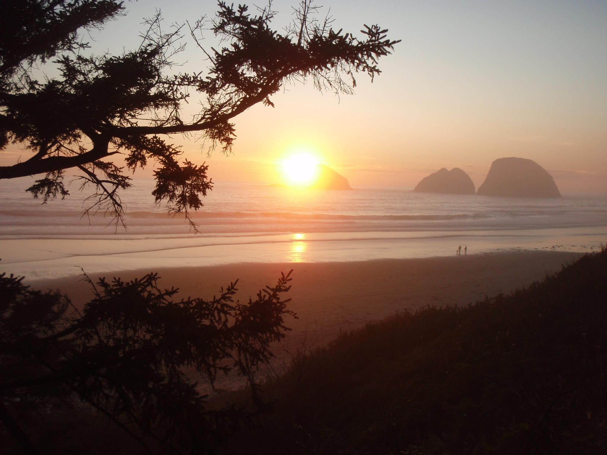 [Image: SunsetNearNetarts.jpg]