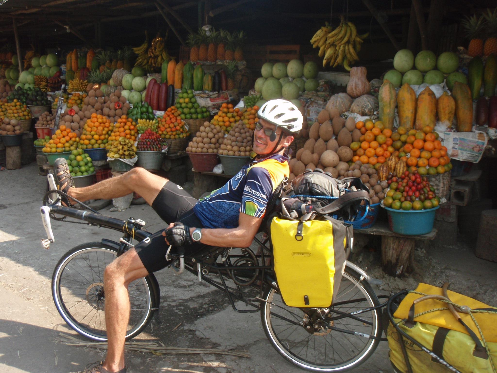Full stop at Fruit stop - roadside scene in Guatemala