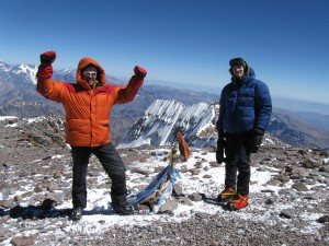 Thomas (left) and Antoine on Aconcagua summit 6-Mar-10 15:00