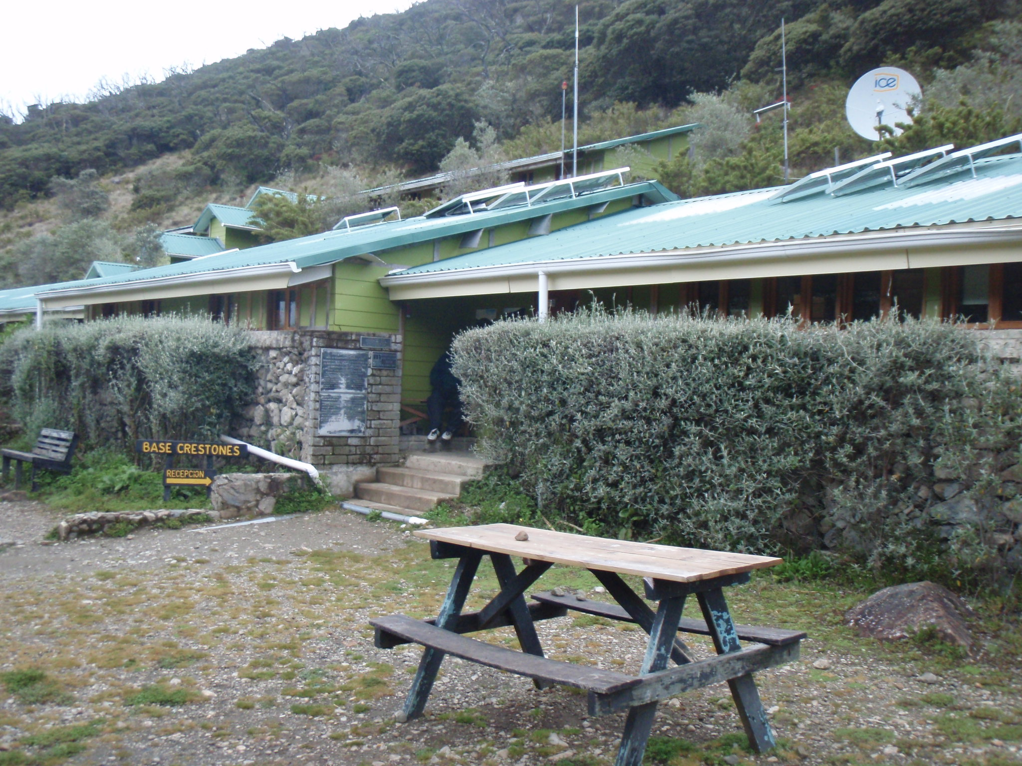 At the Base Crestones hut on Chirripo
