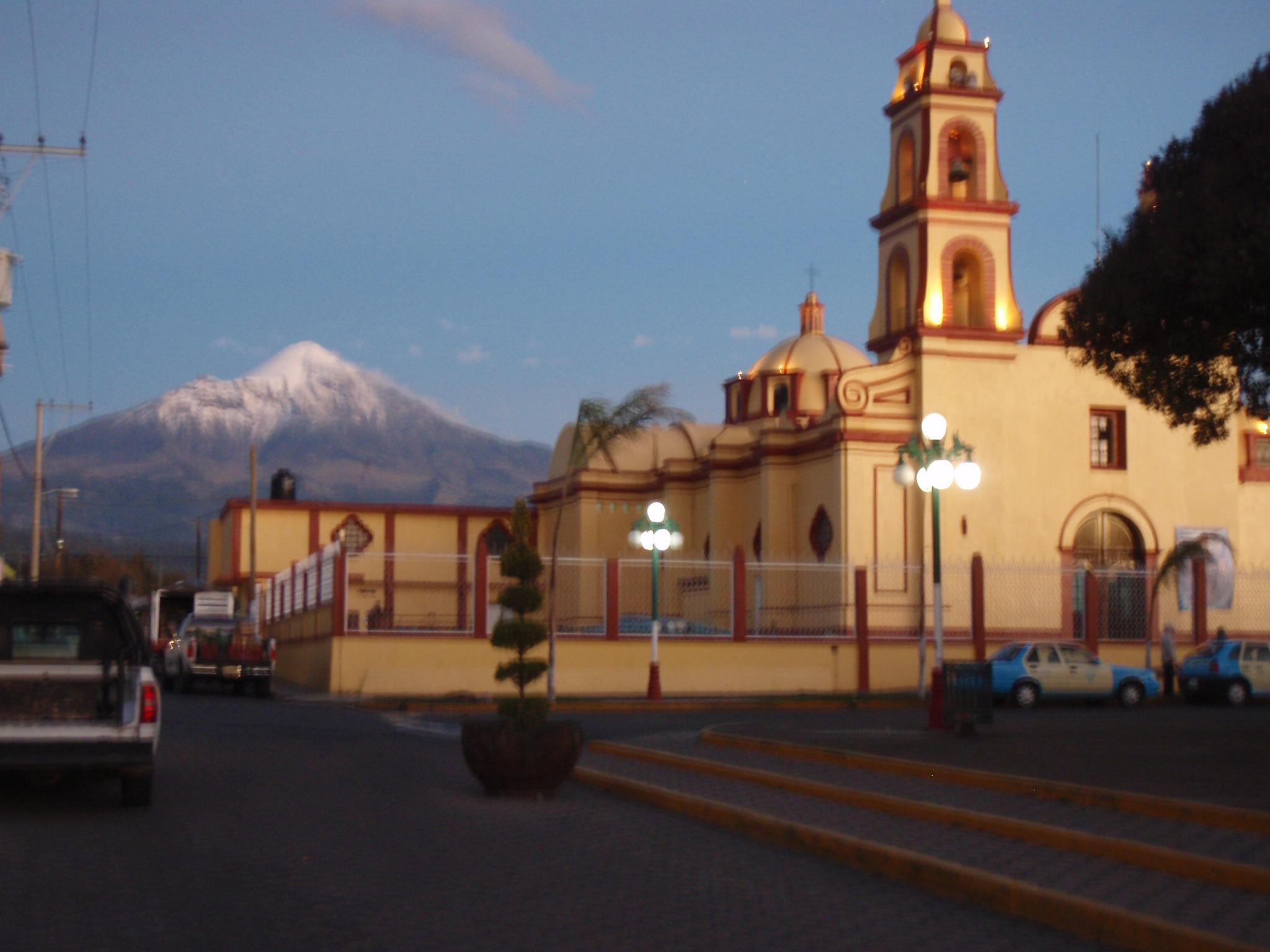 Pico Orizaba from central plaza of Tlachichuca